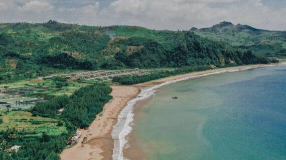 Wisata outbound Malang pantai selatan